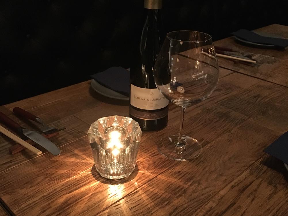 いつもの食卓に上質な光の演出を