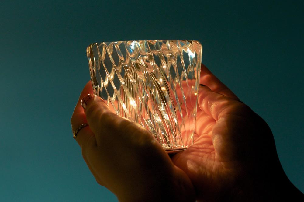 手の中に収まる宝石のような輝き